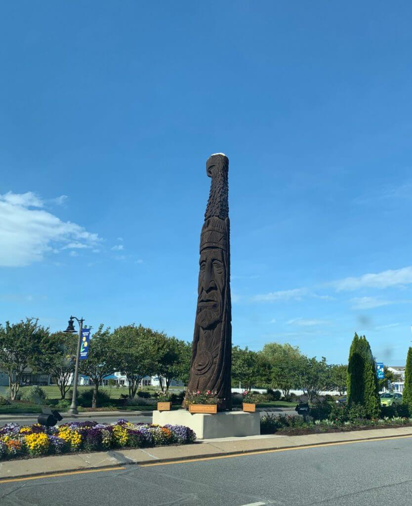 Shopping district Totem pole in Bethany Beach, DE